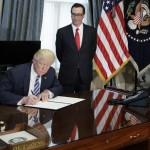Трамп подписал указ о пересмотре налогового регулирования